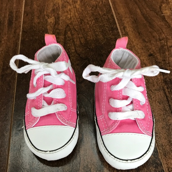 257672d4d3f Converse Other -  HOST PICK  💕Converse toddler shoes size 4